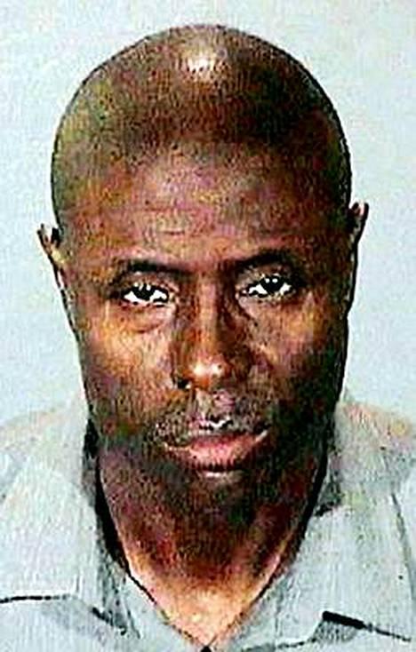 Troy Crosby Thomasin uskotaan vohkineen seitsemän miljoonan eurojen edestä käteistä ja koruja.