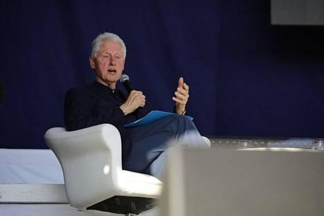 Bill Clinton painotti puheessaan huoltaan merien tilasta.