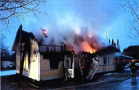 Tulipalo oli raju.
