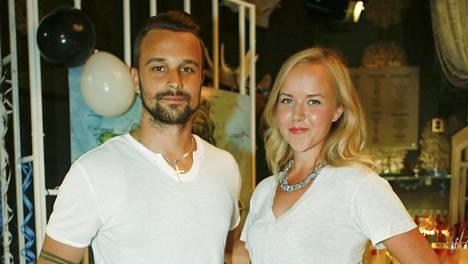 Mikko ja Sara Parikka näyttelevät molemmat Salatut elämät -sarjassa.
