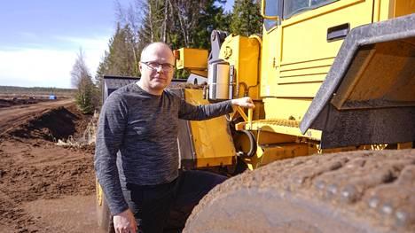 Turveyrittäjä Marko Nummijärvestä tulee myös aurinkovoimayrittäjä, jos suunnitelmat toteutuvat.