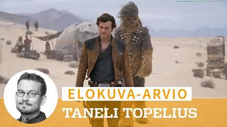 Nuorta Han Soloa näyttelevä Alden Ehrenreich saa Solo-elokuvassa vankkaa taustatukea Joonas Suotamon esittämältä Chewbaccalta.