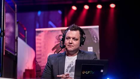 Leppänen pelasi CS:ää kilpailullisesti 14 vuotta. Pelaamisen ohella hän työskenteli koko ajan IT-alalla.