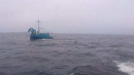 Merivartiosto havaitsi Haapasaaren kaakkoispuolella tuntemattoman huvialuksen.
