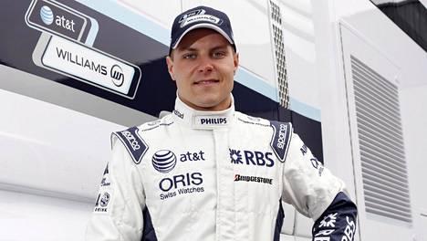 Valtteri Bottas nuorena Williamsin testikuljettajana vuonna 2010.