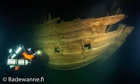 Ainutlaatuisenn hyväkuntoien flöitti löytyi Suomenlahden pohjasta elokuussa 2020.