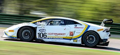 Vainio ja Tujula kilpailevat Lamborghini Huracán -autolla. Nelivetoisen superauton V10-moottorissa on yli 600 hevosvoimaa.