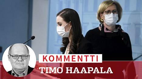 Pääministeri Sanna Marin (sd) ja tytöministeri Tuula Haatainen (sd) kertoivat hallituksen poikkeusolotoimista maanantaina.