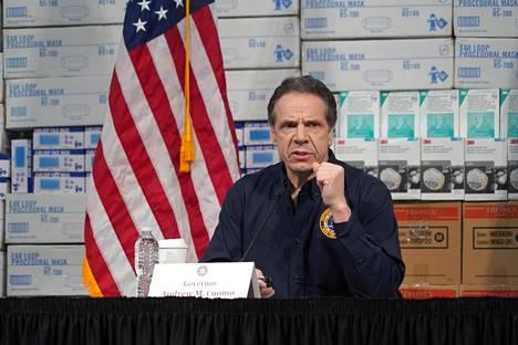 New Yorkin osavaltion kuvernööri Andrew Cuomo tiistain lehdistötilaisuudessa.