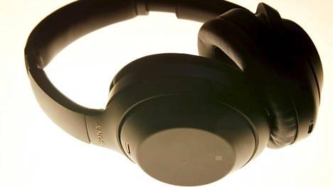 Kuulokkeita myydään nyt ahkerasti. Sen sijaan digiboksien ja navigaattorien aika on ohi.