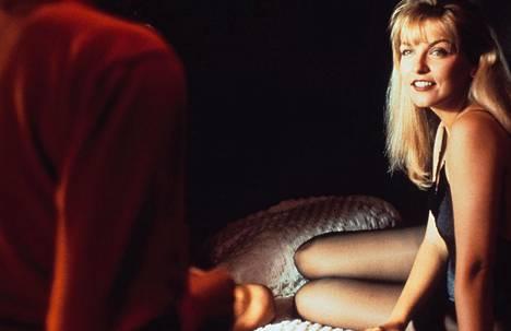 Sheryl Lee esitti sarjan ensimmäisillä kausilla Twin Peaksissa Laura Palmeria, opiskelijatyttöä, jolla oli monia salaisuuksia. Kuva vuodelta 1992.