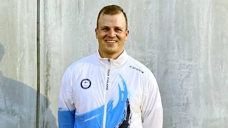 Antti Vikström kuvattuna Tokion olympiakylässä.