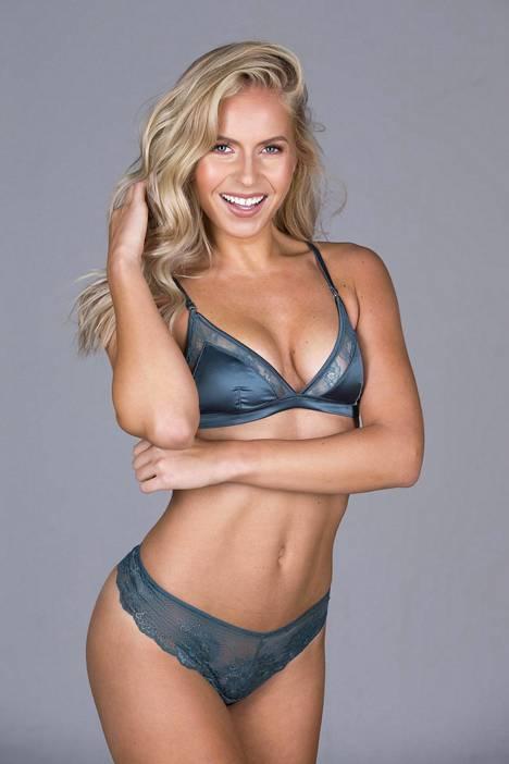 Räväkkä ja sanavalmis Alina Voronkova edustaa Suomea tänä vuonna Miss Universum -kisoissa.