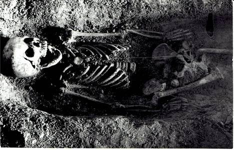 Tutkijat arvelevat, että 10–12-vuotias tyttö tuli Puolaan Kaarle X Kustaan sotaretken mukana.