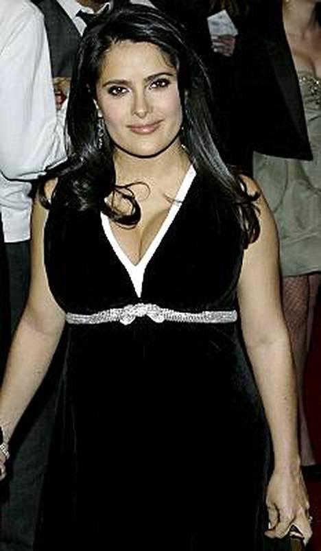 Salma Hayekin esikoisen syntymästä tiedotettiin perjantaina.
