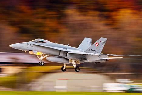 Sveitsi hakee seuraajaa Hornet-hävittäjille.
