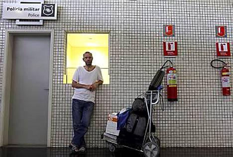 Onko saksalaismies särkenyt sydämensä eikä halua siksi poistua Brasiliasta?