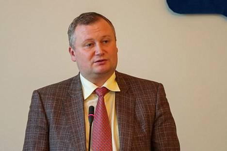 Viipurin piirin finanssikomitean johtaja Aleksandr Bolutshevski joutui ensimmäisenä rikosepäilyjen kohteeksi.