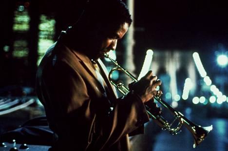 Spike Leen ja näyttelijä Denzel Washingtonin yhteistyö alkoi elokuvasta Mo' Better Blues (1990)