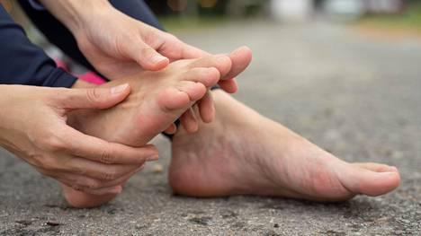 Jalkakrampit ovat tuttuja kuntoilijoillekin; suonenvetoa esiintyy Terveyskirjaston mukaan tavallista herkemmin pitkäkestoisen harjoittelun jälkeen.