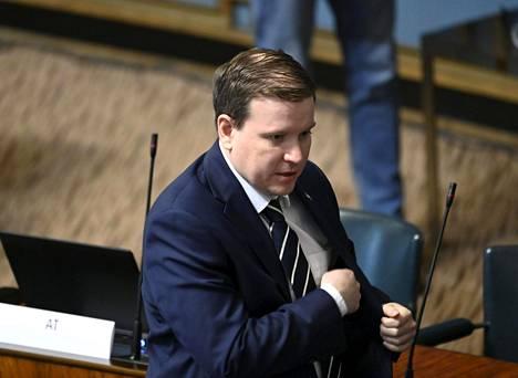 Perussuomalaisten eduskuntaryhmän puheenjohtajan Ville Tavion mukaan hänellä ei ollut harkinnassa, että puhemaratonia elvytyspaketista olisi jatkettu vielä viikkokausia. Asia ratkaistaan joka tapauksessa äänestämällä, Tavio sanoo.