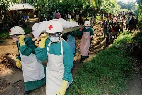 Ebola on hengenvaarallinen verenvuotokuume. Kuva epidemiasta Kongon demokraattisessa tasavallassa vuonna 1995.