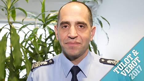 Verotietojen mukaan ylikomisario Dennis Pasterstein ansaitsi viime vuonna yli 150000 euroa.
