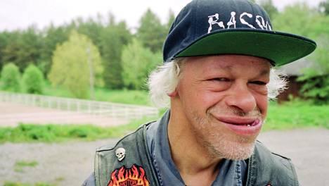 Englanninkielinen Pertti Kurikan Nimipäivien levy on kuitenkin vielä tulossa, Aalto paljastaa.