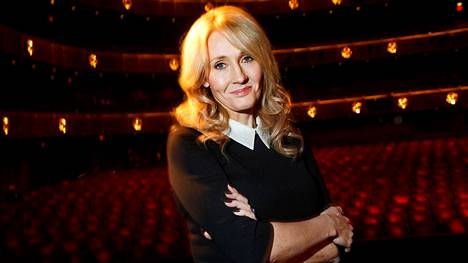 Brittikirjailija J. K. Rowling tunnetaan erityisesti maailmanlaajuiseen suosioon nousseesta Harry Potter -kirjasarjastaan.