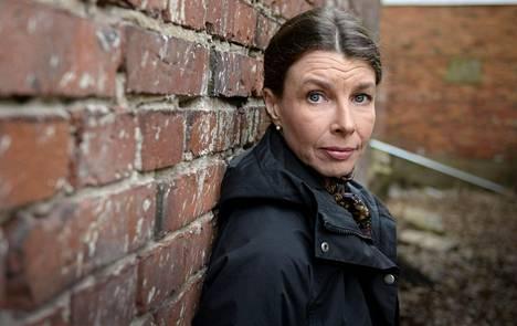 Kirjailija Katariina Vuorta ihmetytti, ettei Joulumerkkikotien lapsista ollut ennen kirjoitettu kirjaa.