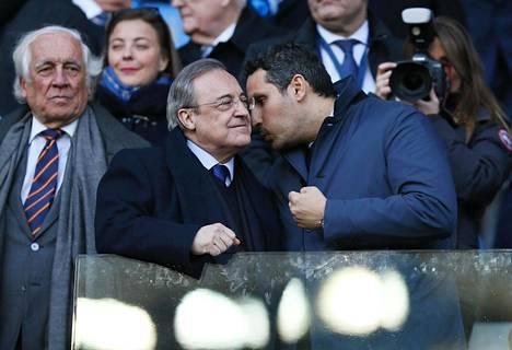 Manchester Cityn puheenjohtaja Khaldoon al Mubarak (oik.) ja Real Madridin presidentti Florentino Perez kohtasivat Mestarien liigan välierissä.