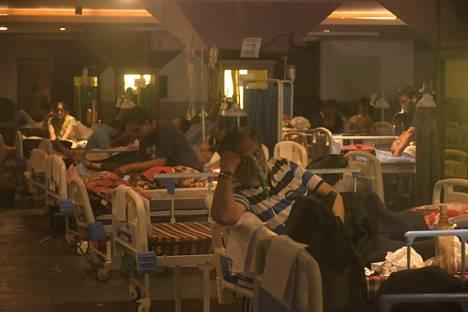 Koronaviruspotilaita väliaikaisessa hoitolaitoksessa New Delhissä.
