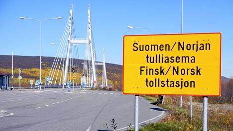 Tenojoen ylittävä Saamen silta Utsjoen rajanylityspaikalla.