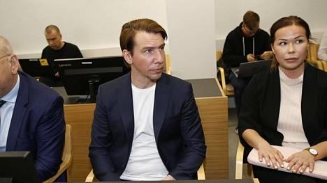 Aku Hirviniemi kuvattuna Kanta-Hämeen käräjäoikeudessa tämän vuoden toukokuussa.