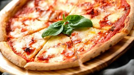 """Ananas ei ole ainoa asia, joka jakaa pizzan ystäviä rajusti eri leireihin: """"Se ei ole pizzaa"""""""