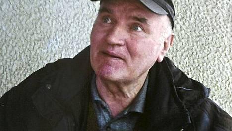 Ratko Mladic pidätyksen jälkeen.