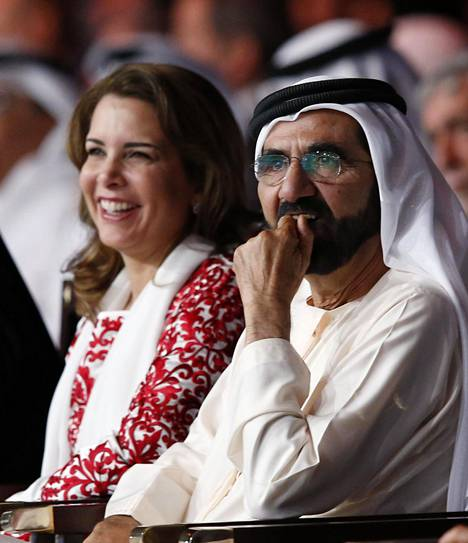 Dubain hallitsija kuvattuna vaimonsa kanssa kolme vuotta sitten.