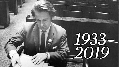 J. Juhani Kortesalmi eduskunnassa 1973.