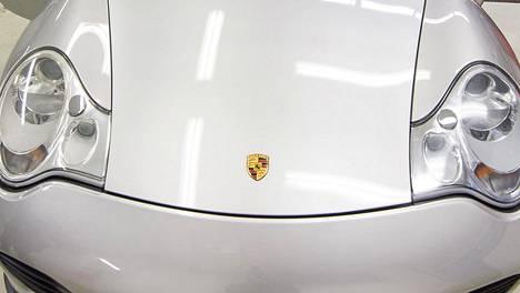 Kuvituskuva. Videossa teipataan Porsche 977.
