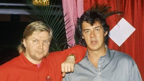 Pirkka-Pekka Petelius (vas.) ja Aake Kalliala Venla-gaalassa 1991.