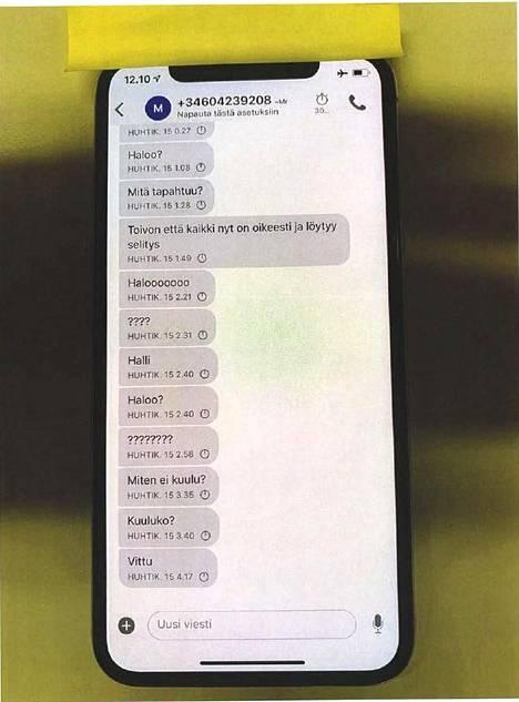 Niko Ranta-ahon yritti saada apuriaan kiinni viesteillä, kun poliisi oli jo napannut apurin. Yksipuolisen viestinvaihdon jälkeen Ranta-aho joi suutuksissaan kännit.