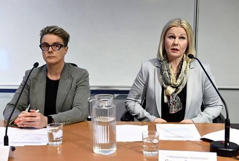 KRP kertoi poikkeuksellisesta seksuaalirikoskokonaisuudesta 27.3. Kuvassa rikosylikomisario Sari Sarani (vas.) ja tutkinnanjohtaja, rikoskomisario Sanna Springare.