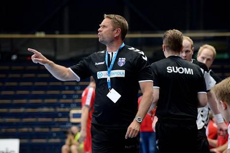 Suomen päävalmentaja Kaj Kekki suuntaa joukkueensa kanssa kohti vuoden 2020 EM-kisoja.