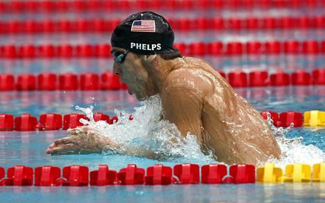 Michael Phelps voitti urallaan peräti 23 olympiakultaa. Kuva 200 metrin sekauintikilpailusta Pekingin olympiakisoista 2008.