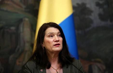 Ruotsin ulkoministeri Ann Linde ei näe mitään syytä ruotsalaisten matkailijoiden syrjimiseen.