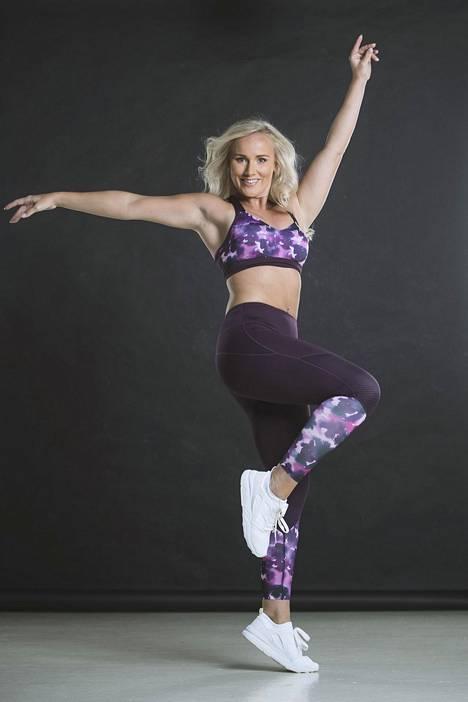 Tuntemattomat ovat kommentoineet, että Leskinen on liian painava fitnessmalliksi.
