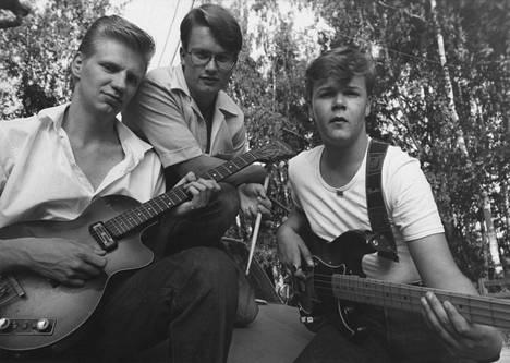 Laulaja ja kitaristi Aikka Hakala, rumpali Pauli Martikainen ja basisti Antti-Pekka Niemi kuvattuna elokuussa 1978.