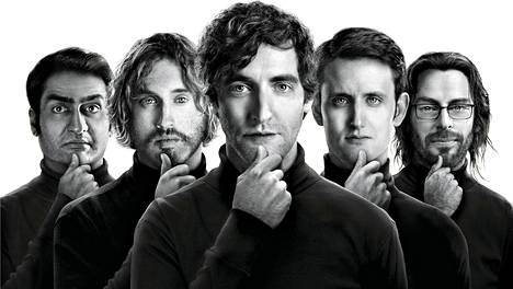 Dinesh (Kumal Nanjiani), Erlich (T.J. Miller), Richard (Thomas Middleditch), Jared (Zach Woods) ja Gilfoyle (Martin Starr) perustavat firman.