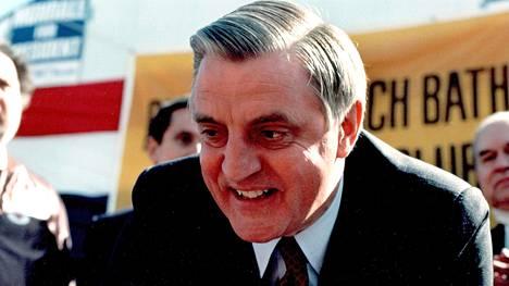 Walter Mondale kuvattiin kampanjoimassa New Yorkissa vuonna 1984.