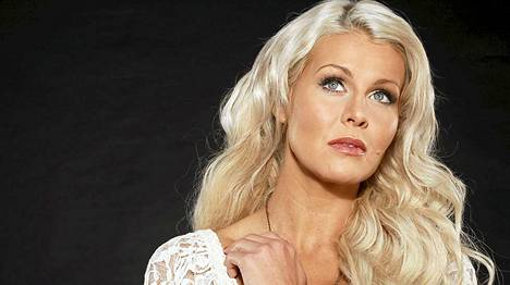 Anna Strömberg muistetaan Miss Suomena vuodelta 2003.